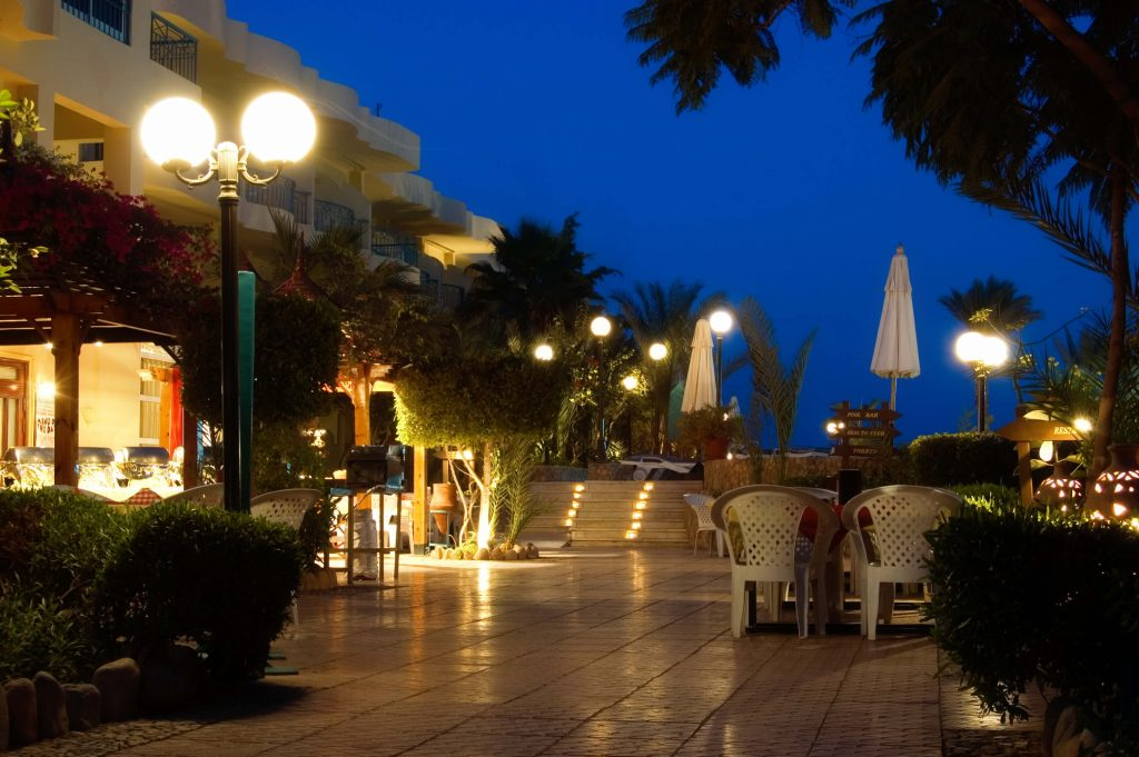 exterior-lighting-for-hotels-goodbulb