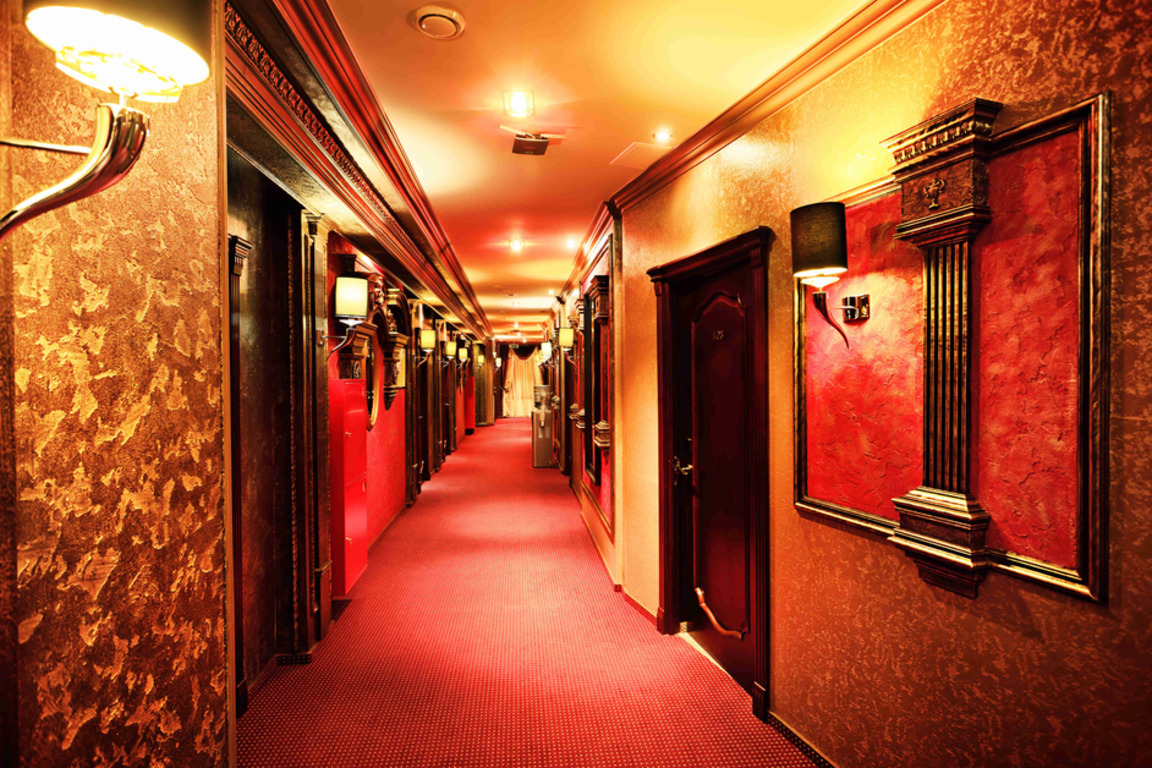 hallway-and-staircase-lighting-for-hotels